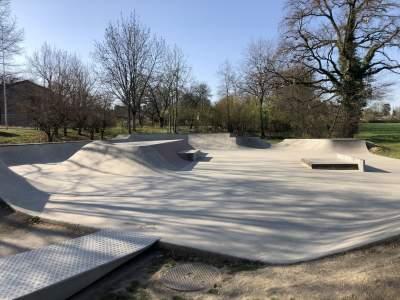 Stage de skate TITCH Genève 19,20,21 Août. Skatepark Collonge Bellerive
